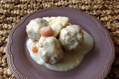 Slow Cooker Meatballs in Egg-Lemon Sauce (Giouvarlakia) from On Top of Spaghetti featured on Slow Cooker or Pressure Cooker at SlowCookerFromScratch.com