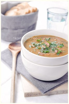 Slow Cooker Spanish-Style Split Pea Soup (from Kayotic Kitchen via SlowCookerFromScratch.com)