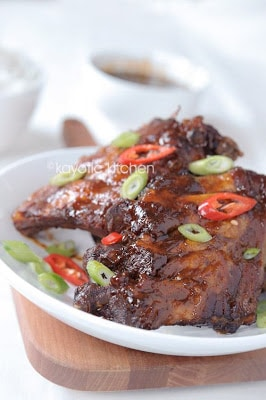 Slow Cooker Peppery Asian Ribs from Kayotic Kitchen found on SlowCookerFromScratch.com