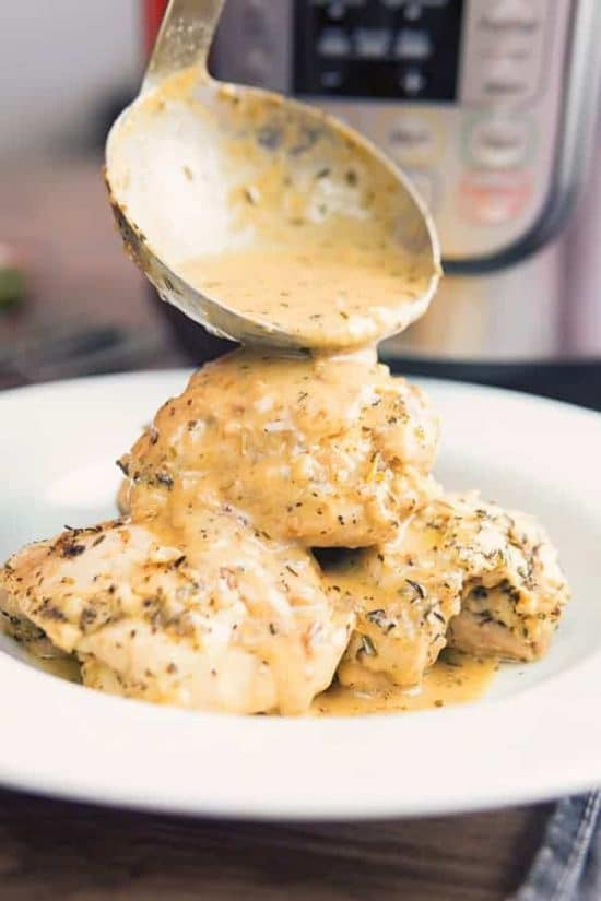 Low-Carb Garlic Chicken from Two Sleevers