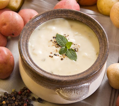 THE BEST Slow Cooker Potato Soup Recipes featured on SlowCookerFromScratch.com