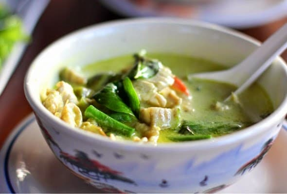 CrockPot Thai Green Curry Chicken from Slender Kitchen