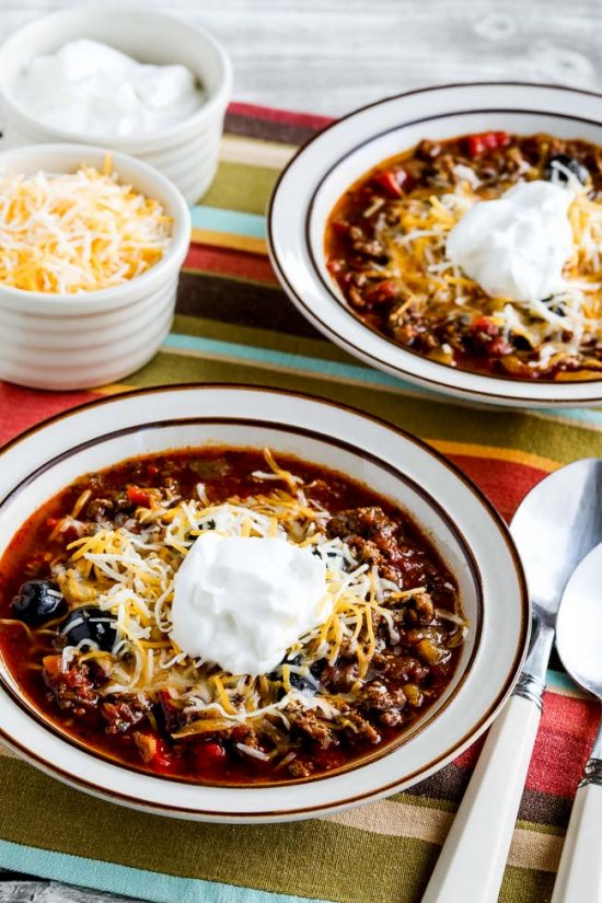 Instant Pot Low-Carb Ground Beef Olive Lover's Chili finished bowls of chile with toppings